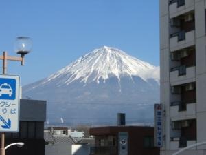 富士宮駅から見た富士山